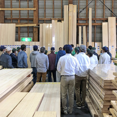 Auction wood kumiko