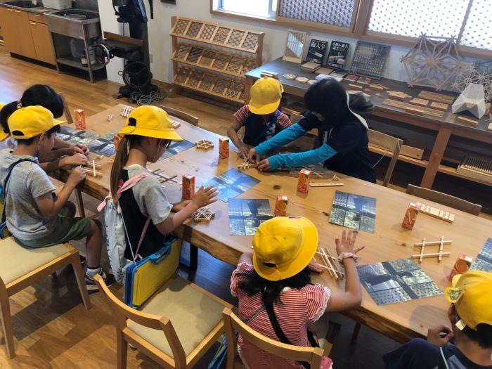 小学生の組子製作体験