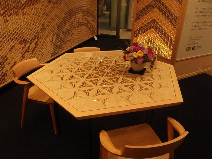 大阪 南港 組子ショールーム テーブル