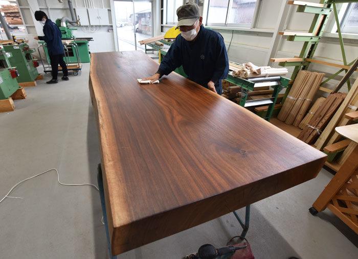 タニハタ 工場仕事納め テーブル製作