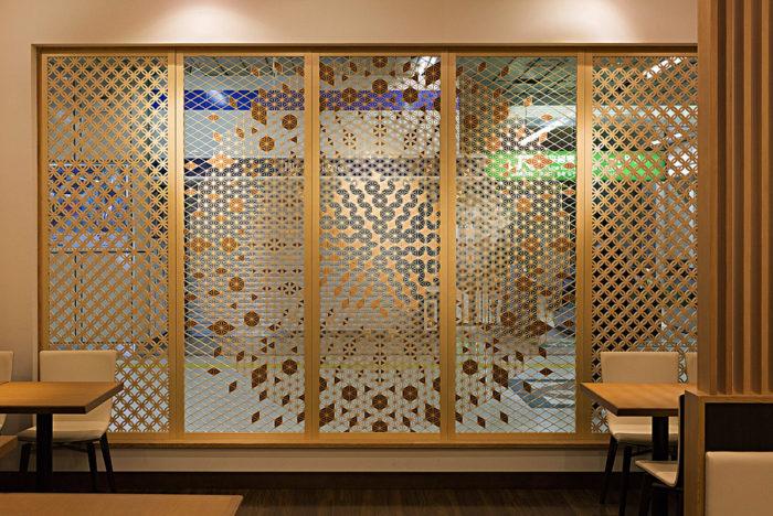 組子とガラスの組み合わせ 施工写真6