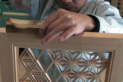 職人 組子欄間 木製建具 株式会社タニハタ 富山