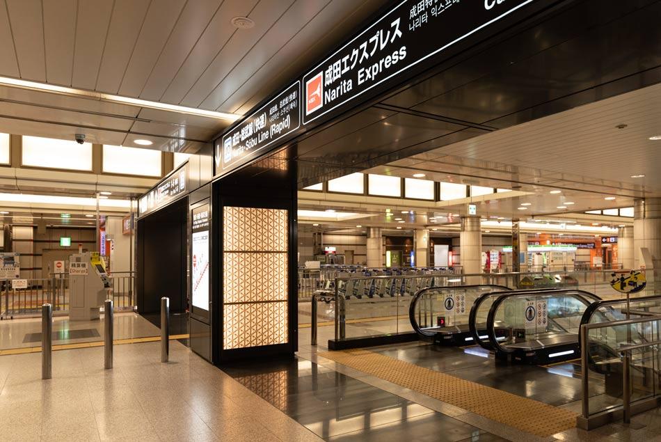 JR成田空港駅 組子らんま エレベーター