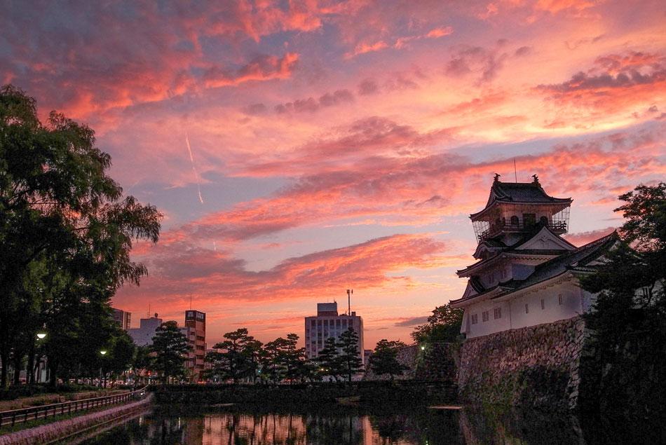 富山城 タニハタ
